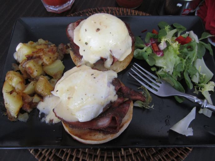 Marbella, Spain, cafe con leche, eggs benedict, breakfast, brunch, English muffin